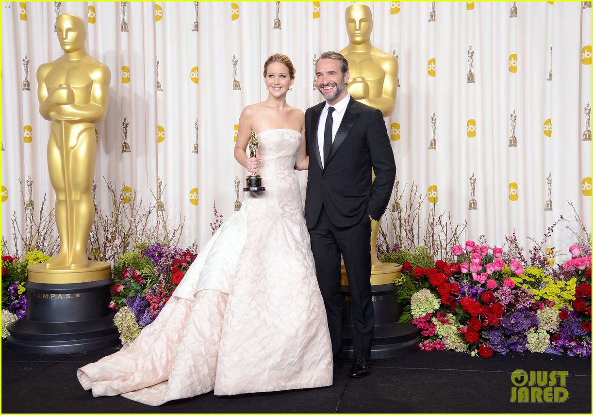 jennifer lawrence oscars press room video 2013 062820314