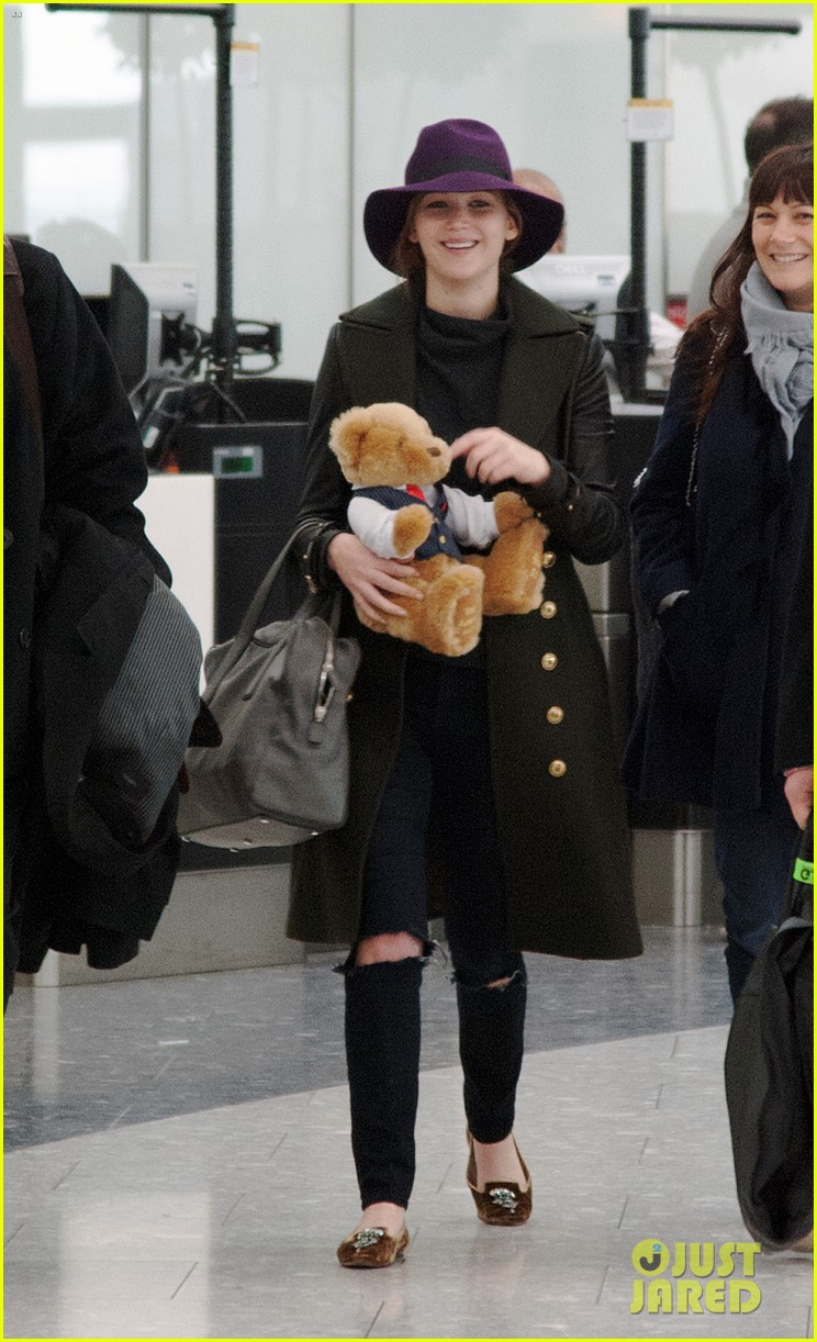 jennifer lawrence teddy bear departure in london 052809991