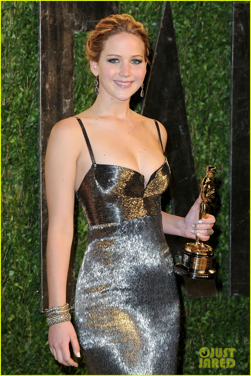 jennifer lawrence vanity fair oscars party 2013 042820259