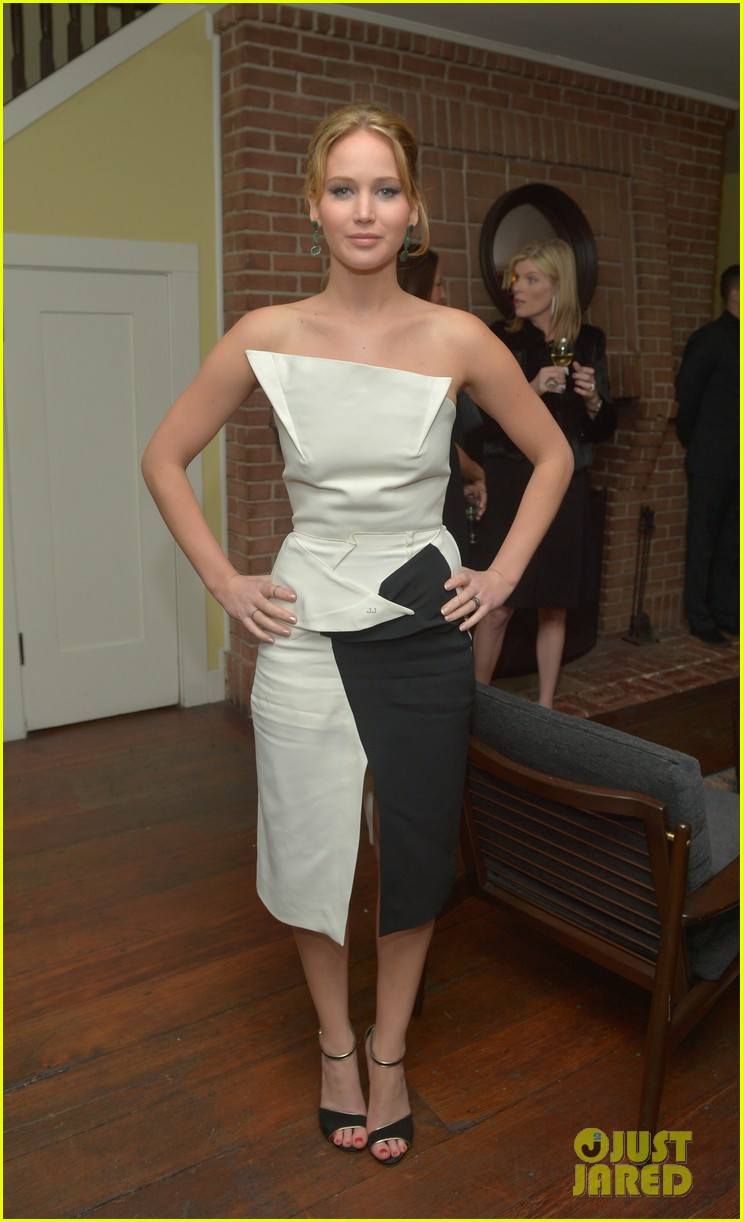 jennifer lawrence bradley cooper vanity fair pre oscar party 2013 01