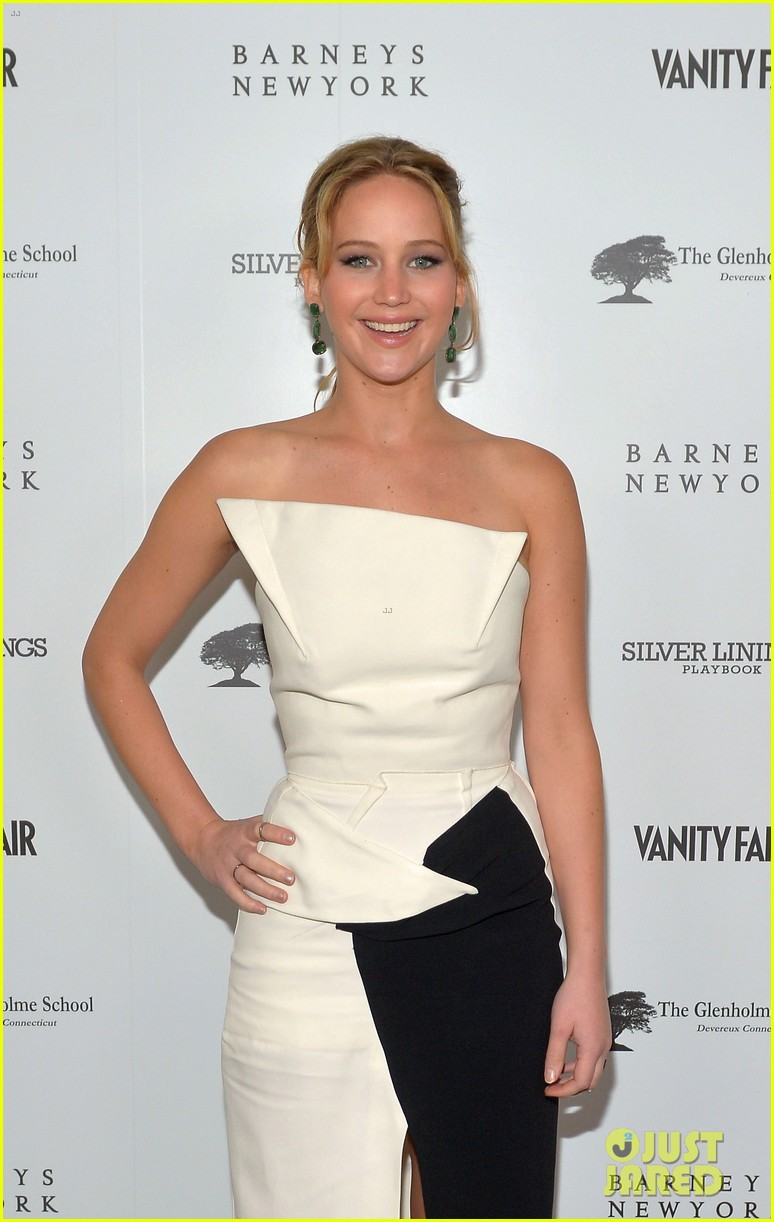 jennifer lawrence bradley cooper vanity fair pre oscar party 2013 04