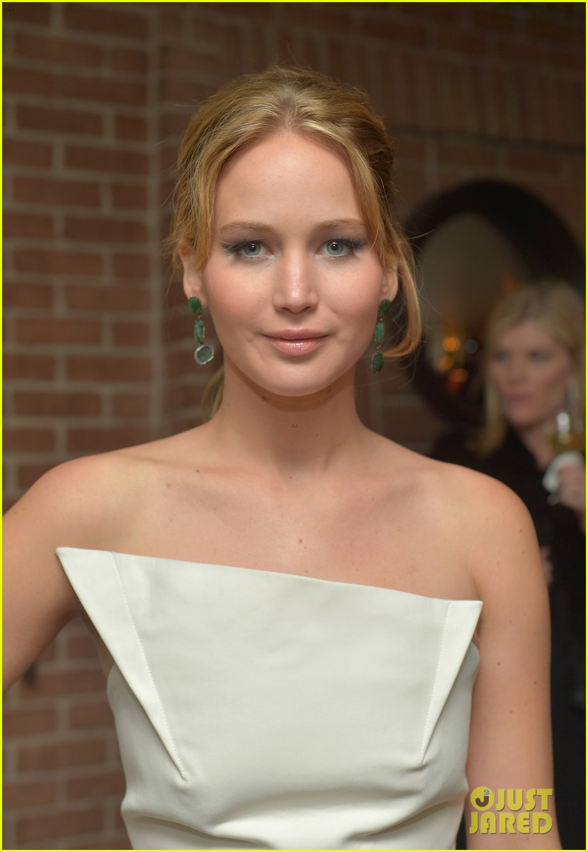 jennifer lawrence bradley cooper vanity fair pre oscar party 2013 24