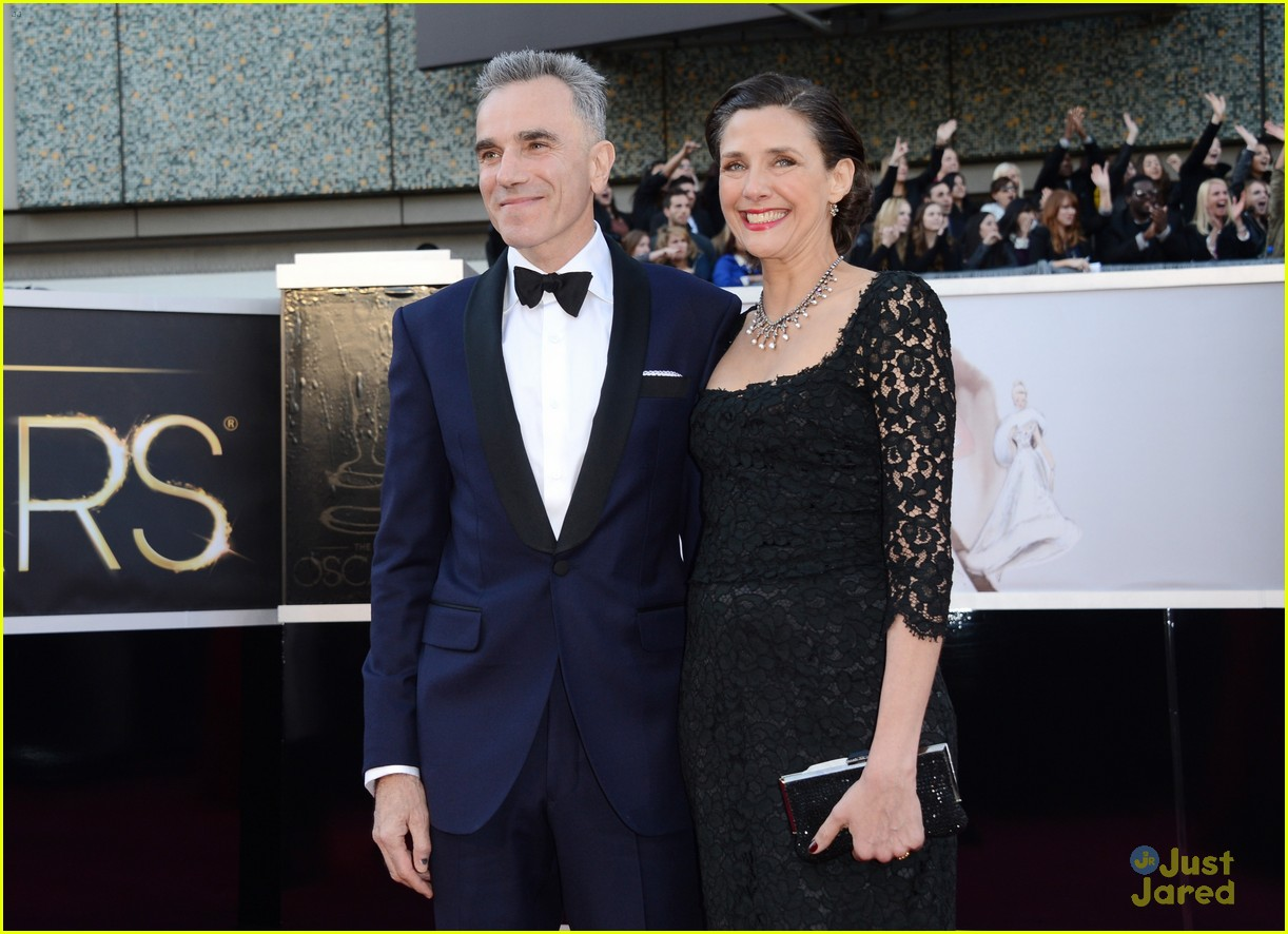 daniel day lewis oscars 2013 red carpet 092819203