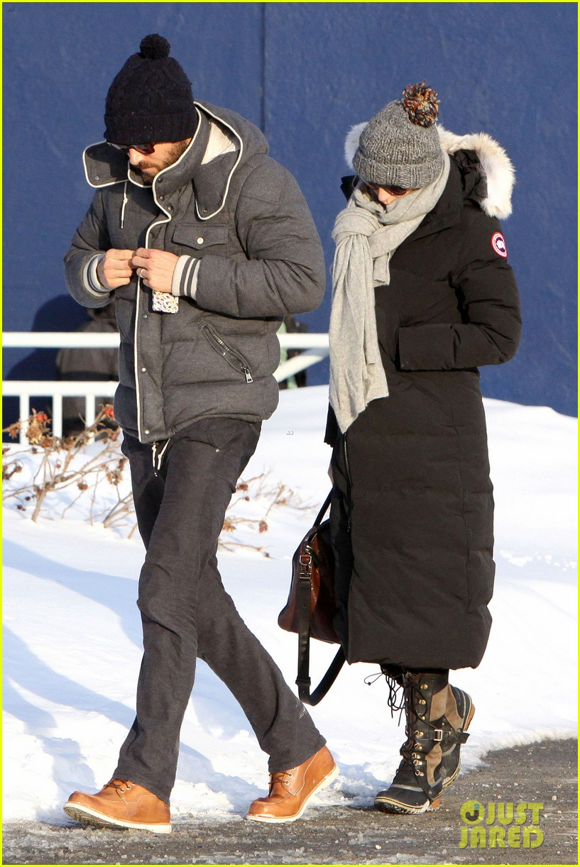 blake lively ryan reynolds snowy weekend in canada 032809729