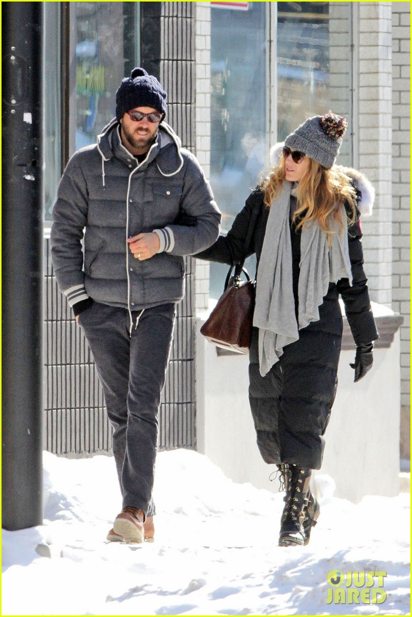 blake lively ryan reynolds snowy weekend in canada 18