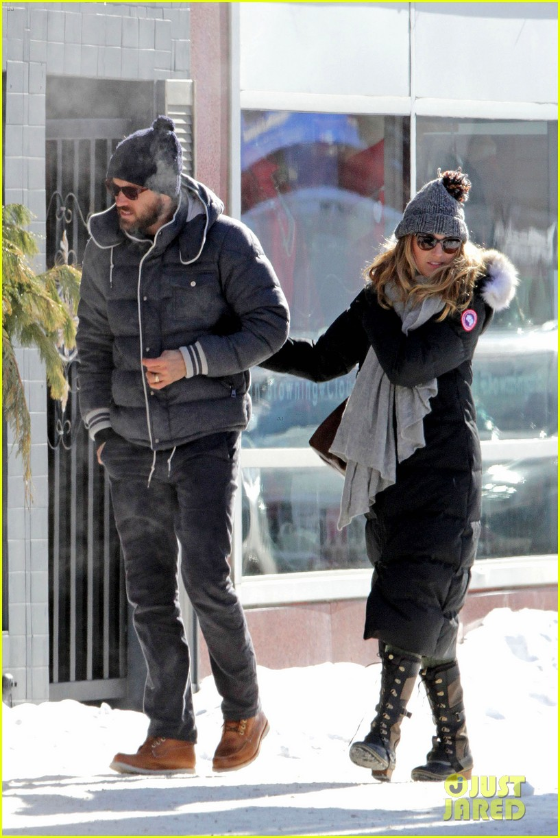 blake lively ryan reynolds snowy weekend in canada 22