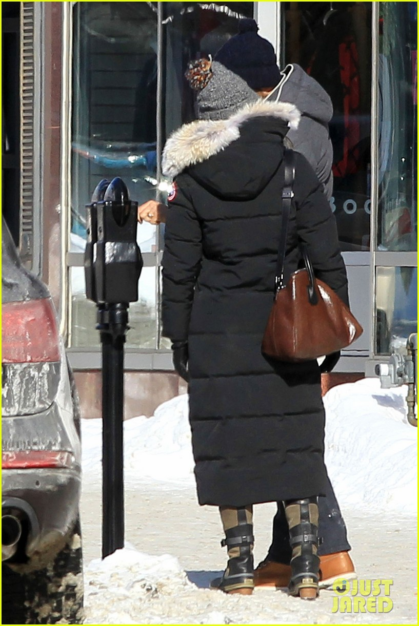 blake lively ryan reynolds snowy weekend in canada 272809753