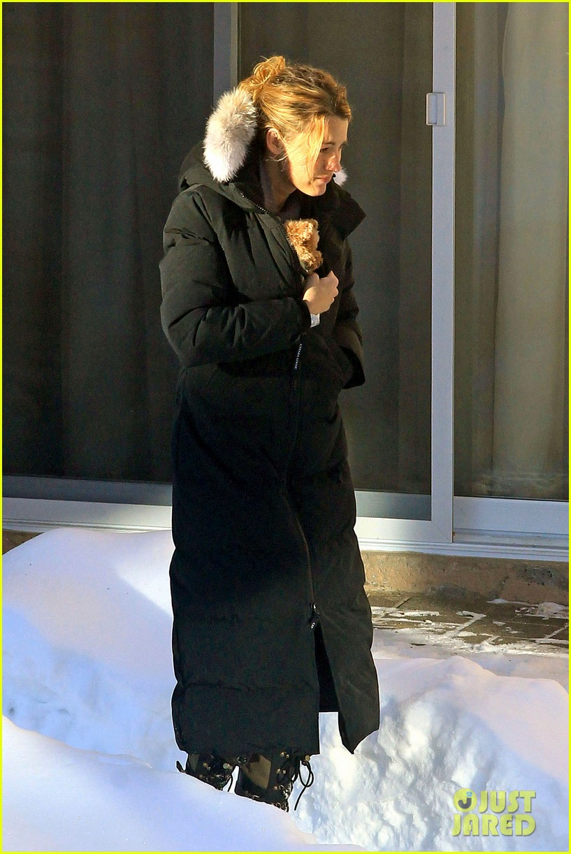 blake lively ryan reynolds snowy weekend in canada 302809756