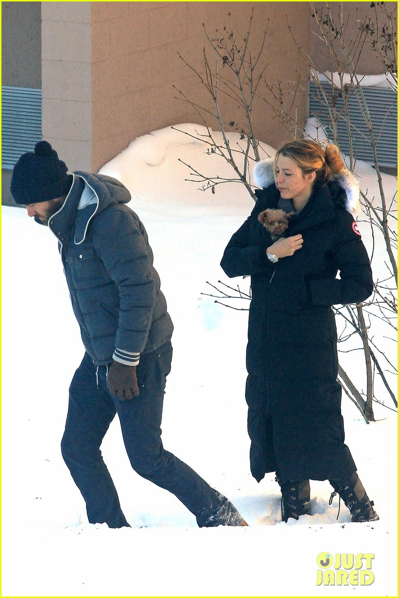 blake lively ryan reynolds snowy weekend in canada 372809763