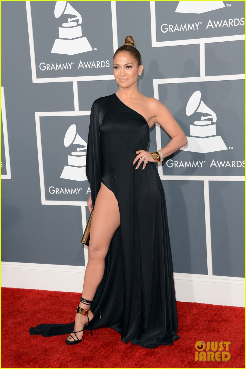 jennifer lopez grammys 2013 with casper smart 062809278