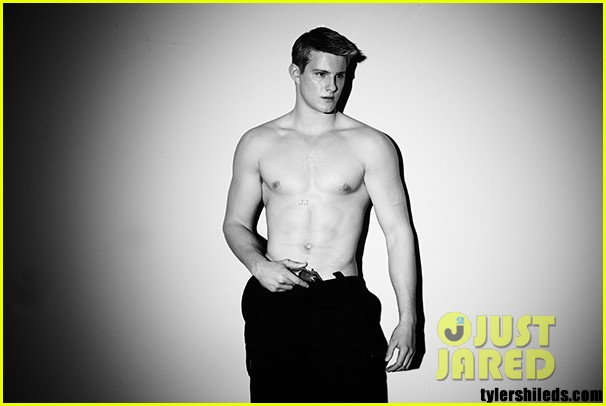 alexander ludwig shirtless for final girl first look 022802636