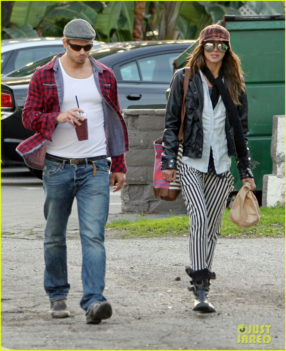 kellan lutz sharni vinson snacks smoothies 022802577