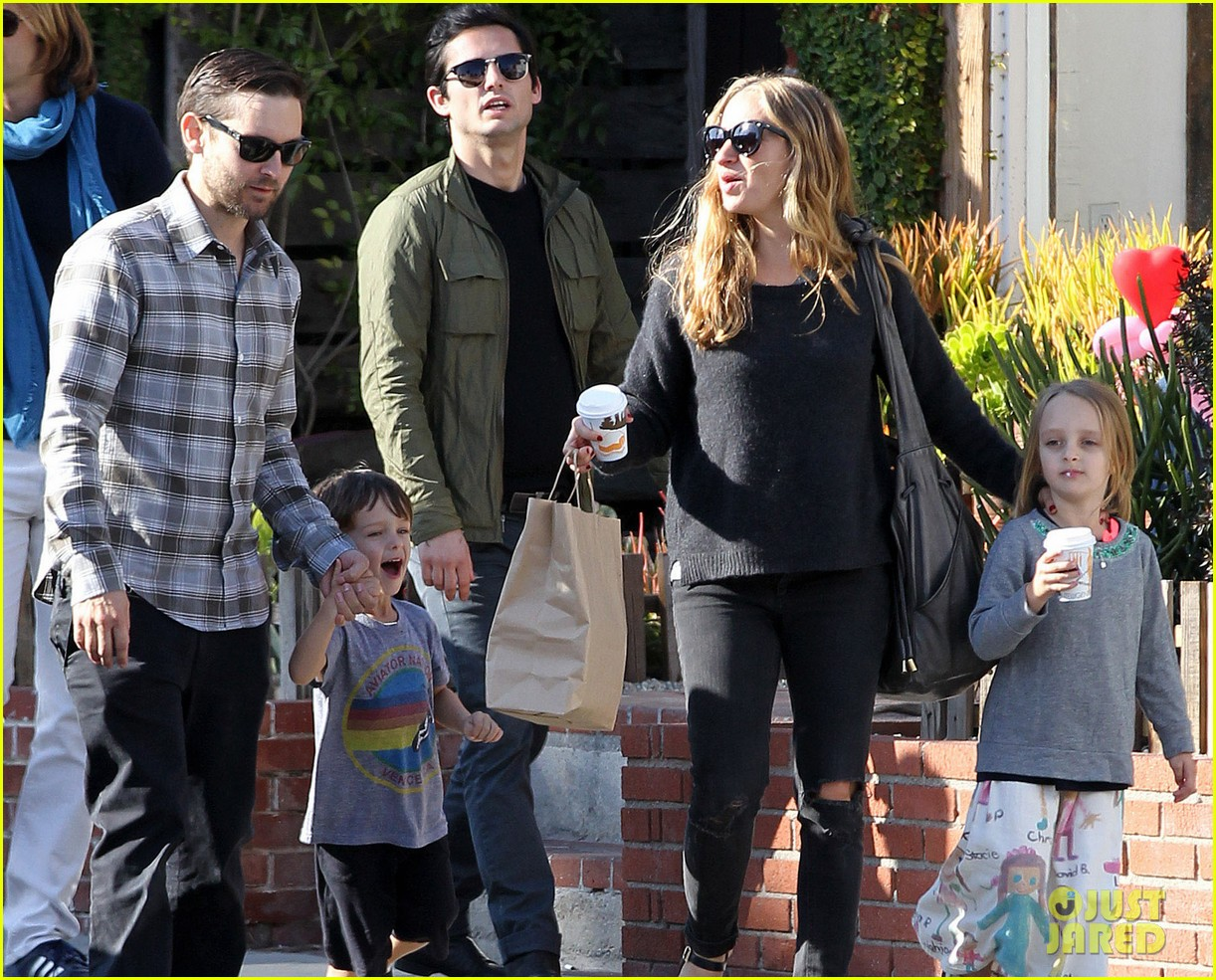 tobey maguire brunch with the family 182814453