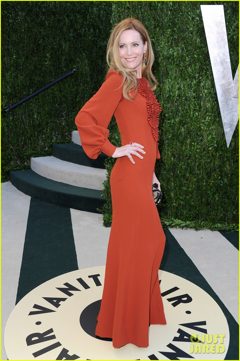 leslie mann judd apatow vanity fair oscars party 2013 06