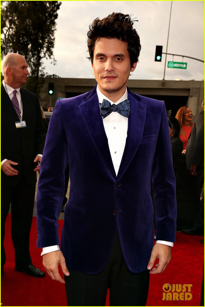 john mayer grammys 2013 red carpet 052809290