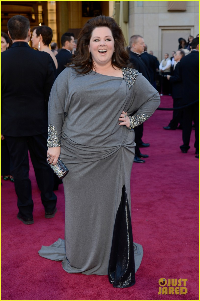 melissa mccarthy oscars 2013 red carpet 032819079