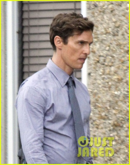matthew mcconaughey true detectives set break 022808714