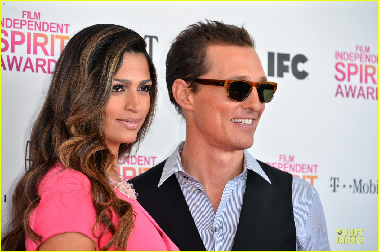 Who is matthew mcconaughey dating 2013