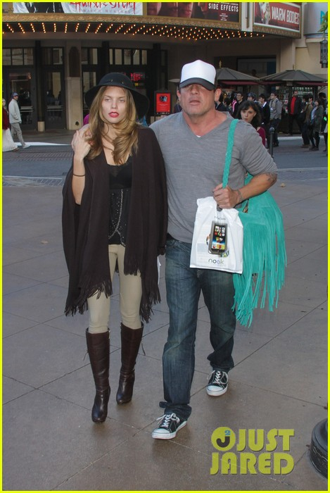 annalynne mccord dominic purcell the grove couple 012808718