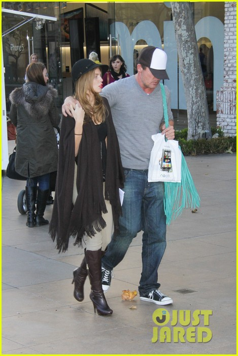 annalynne mccord dominic purcell the grove couple 132808730