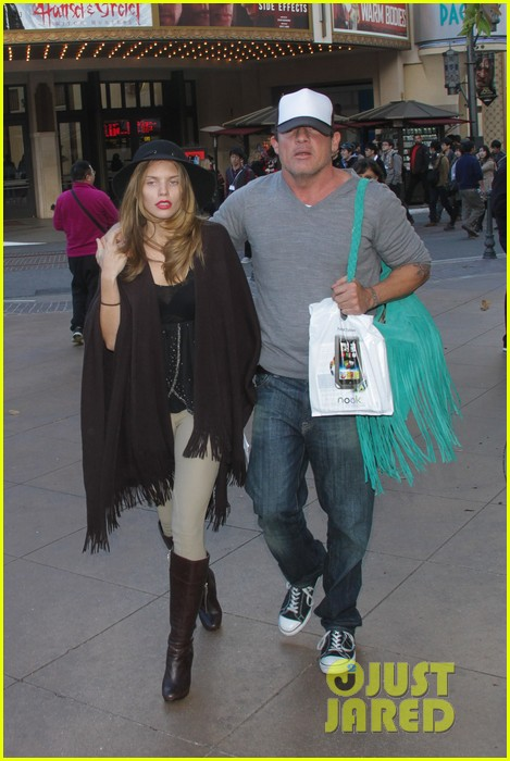 annalynne mccord dominic purcell the grove couple 142808731