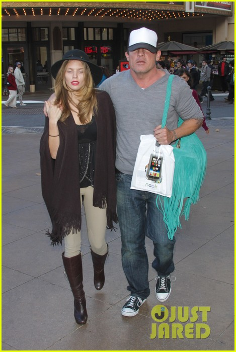 annalynne mccord dominic purcell the grove couple 15