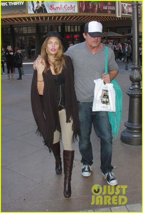 annalynne mccord dominic purcell the grove couple 162808733