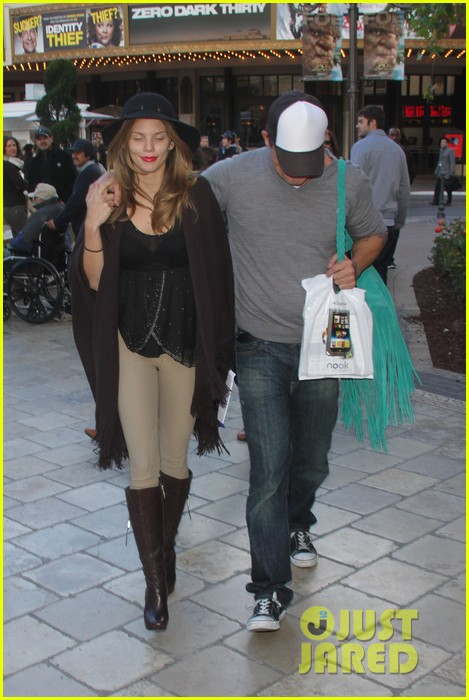 annalynne mccord dominic purcell the grove couple 212808738