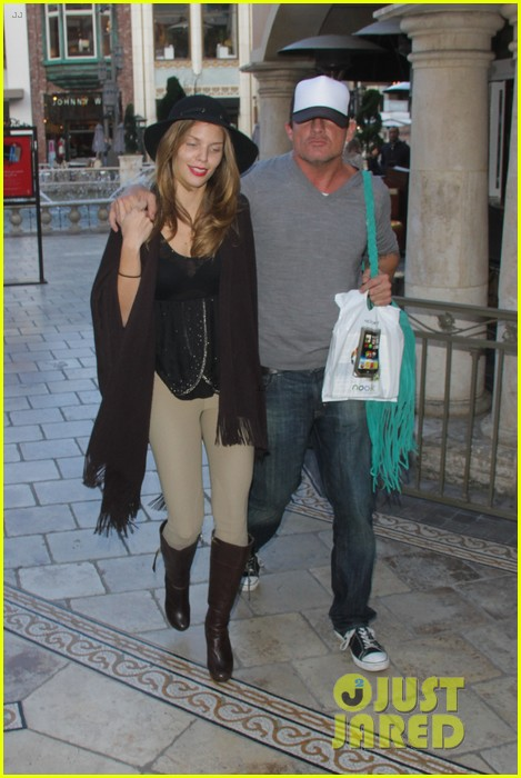 annalynne mccord dominic purcell the grove couple 242808741