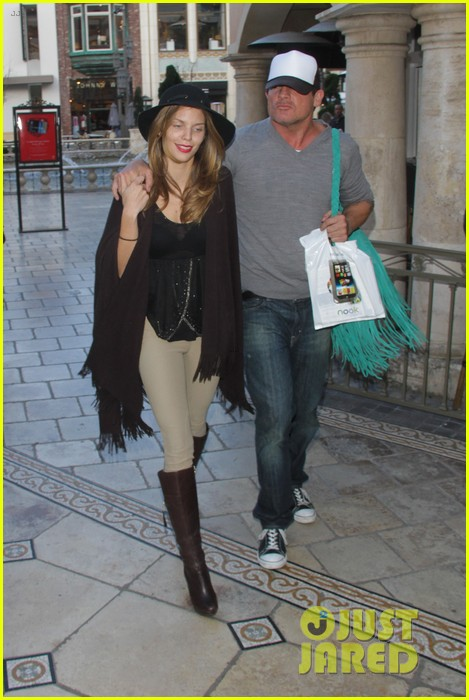 annalynne mccord dominic purcell the grove couple 252808742