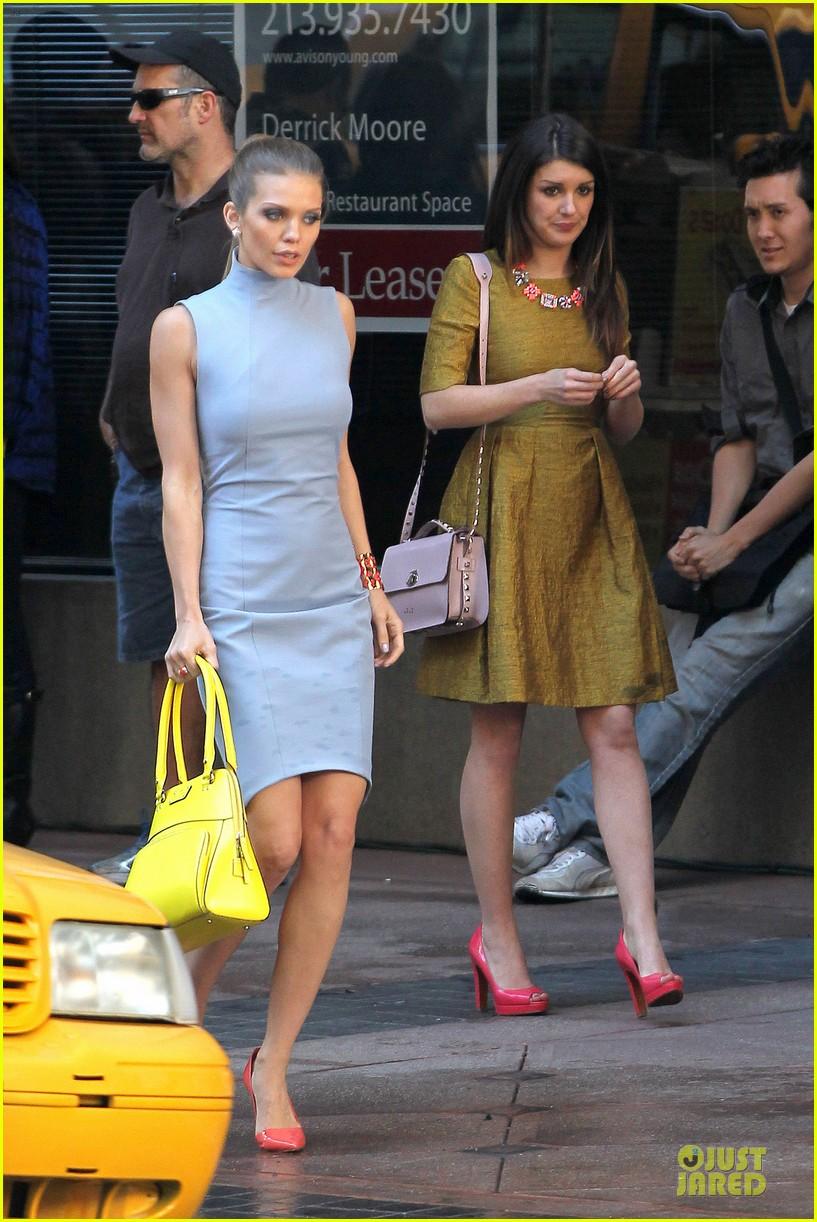 annalynne mccord new york glamour for 90210 032803100