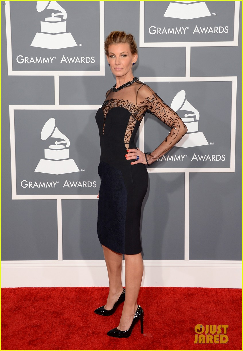 tim mcgraw faith hill grammys 2013 red carpet 05
