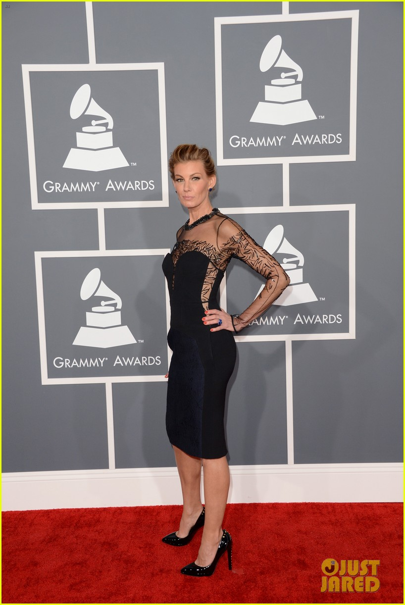 tim mcgraw faith hill grammys 2013 red carpet 062809424