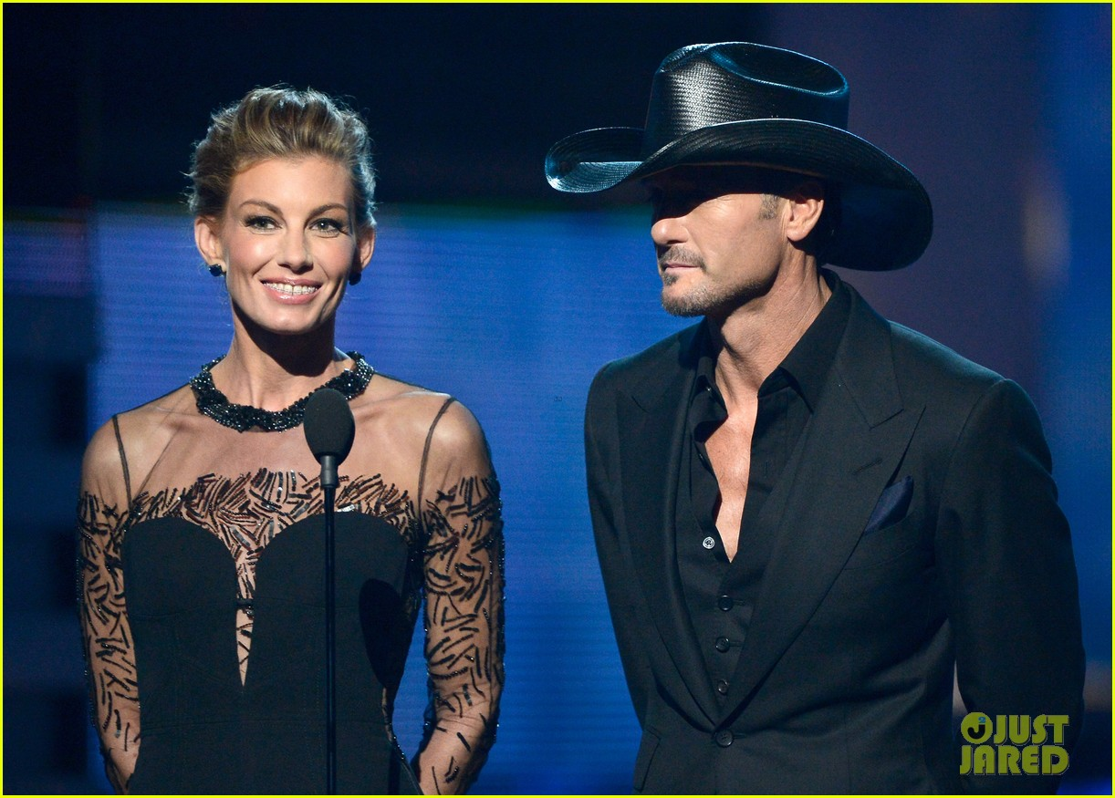 tim mcgraw faith hill grammys 2013 red carpet 102809428