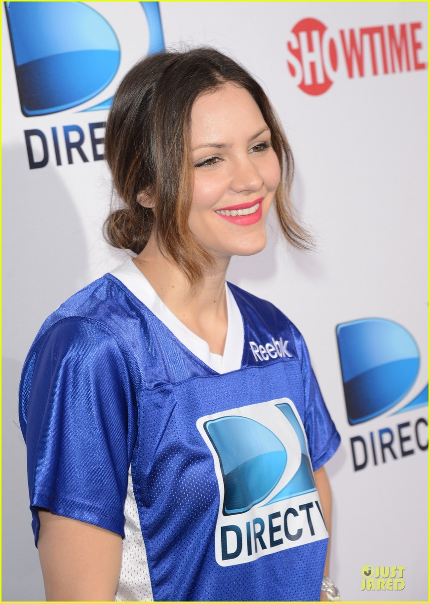 katharine mcphee chrissy teigen celebrity beach bowl gals 112803230