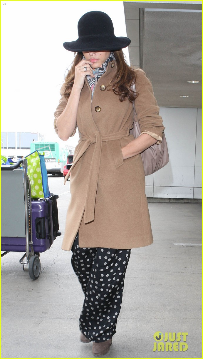 eva mendes to launch own fashion brand 012810542