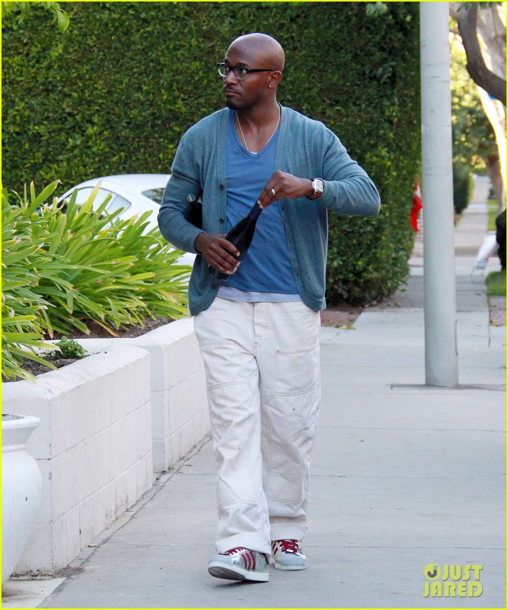 taye diggs idina menzel super bowl party with walker 032804561