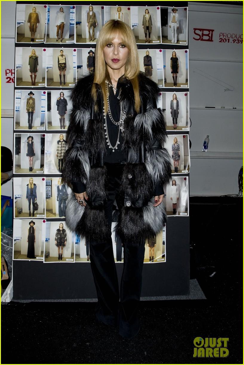 miley cyrus rachel zoe fashion show with mom tish 062811463