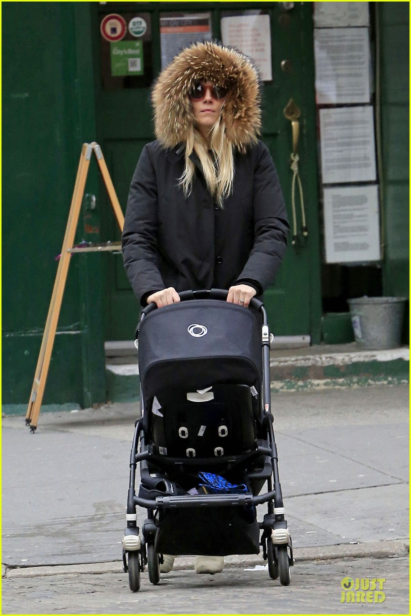 sienna miller kids company charity auction supporter 052817392