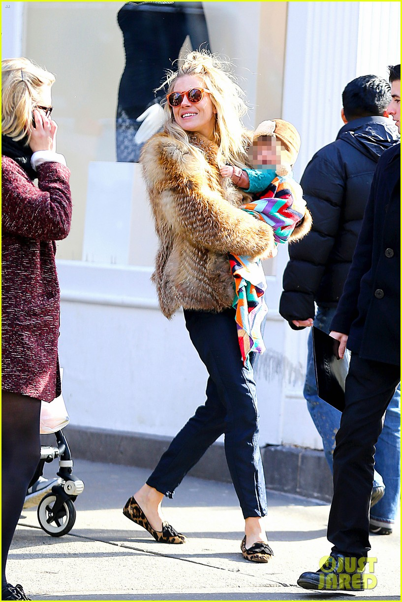 sienna miller cara delevingne takes over pepe jeans roles 222811555