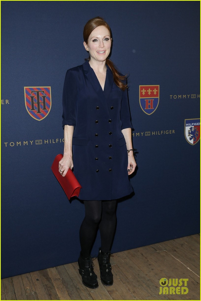 julianne moore jaime king fashion shows in new york 012809815
