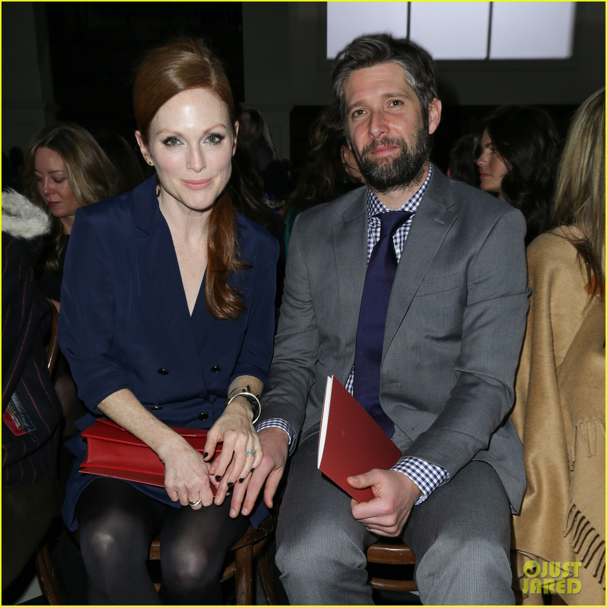 julianne moore jaime king fashion shows in new york 022809816