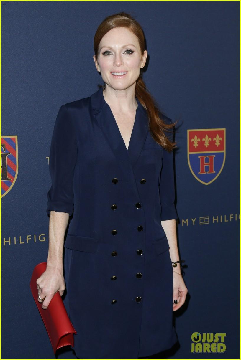 julianne moore jaime king fashion shows in new york 162809830