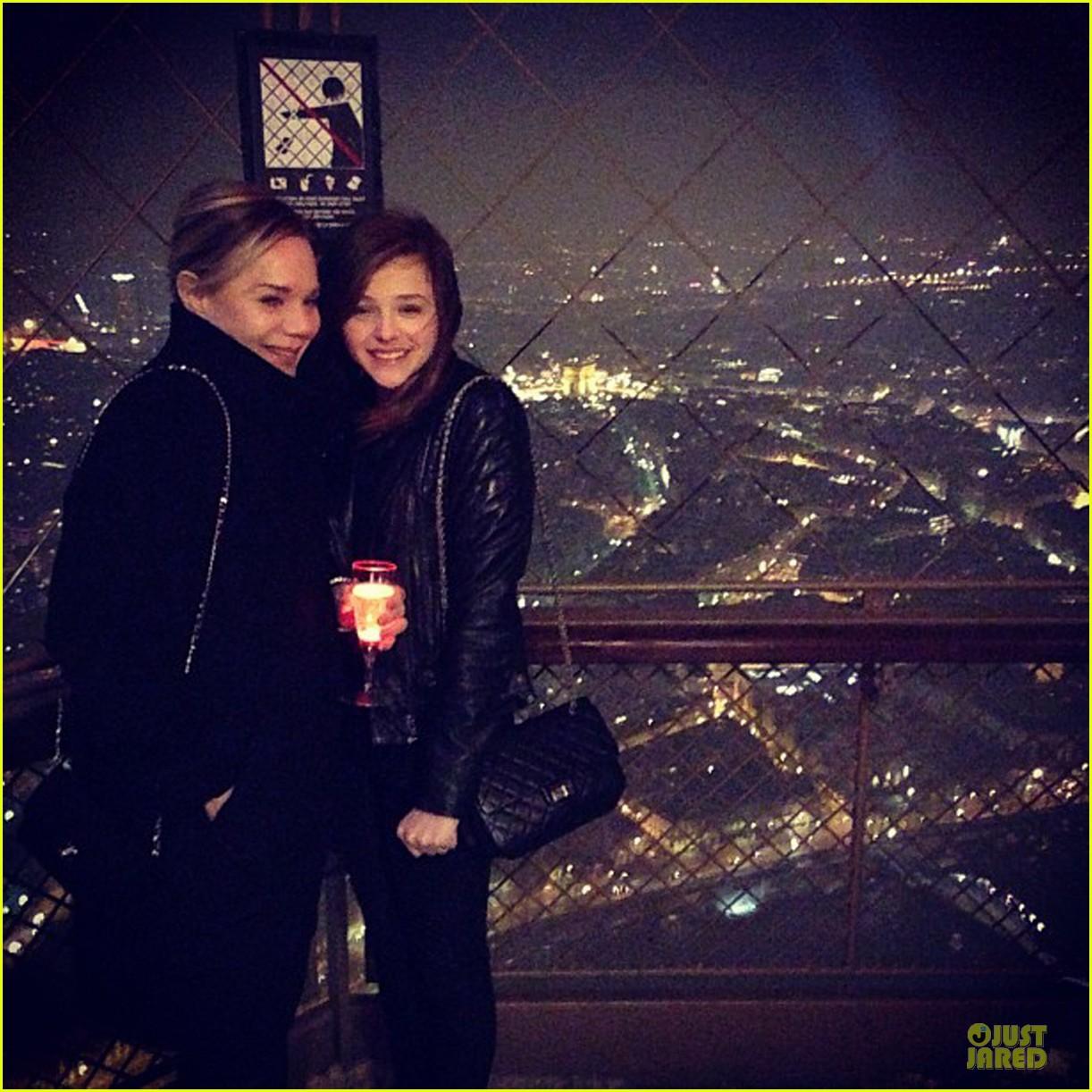 chloe moretz eiffel tower tour with mother teri 052821460