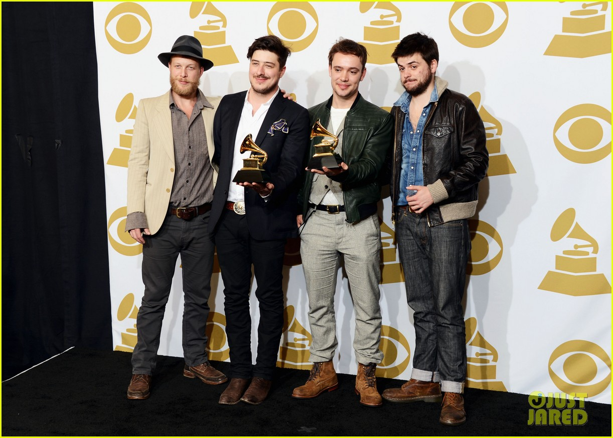 carey mulligan grammys 2013 with marcus mumford 052809715