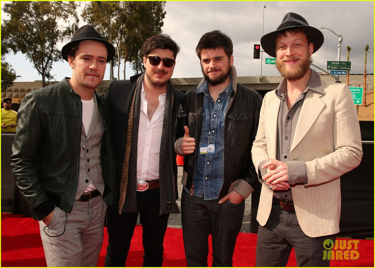 mumford sons gramms 2013 red carpet 032809246