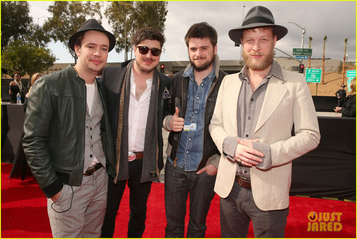 mumford sons gramms 2013 red carpet 062809249