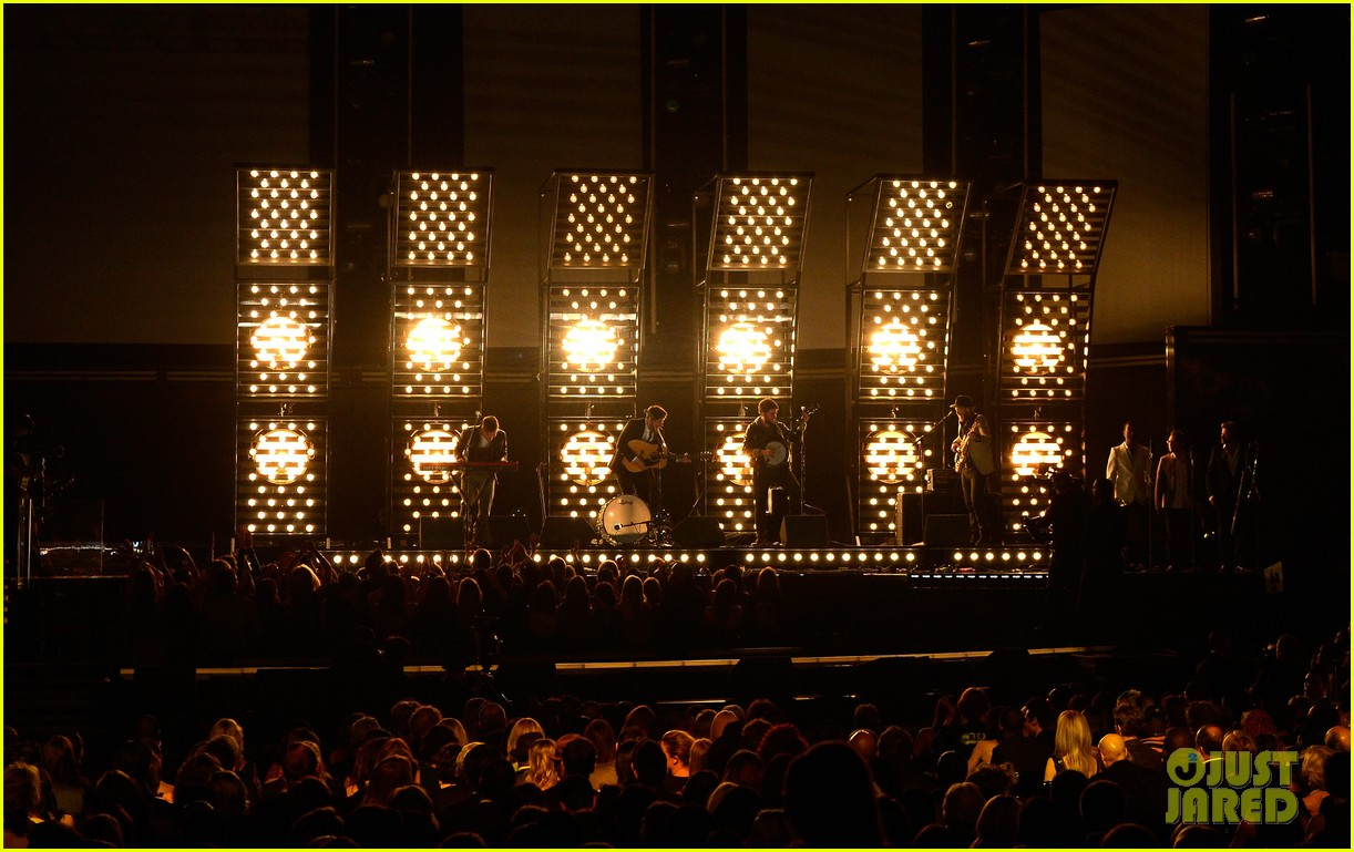 mumford sons i will wait grammys 2013 performance watch now 022809527