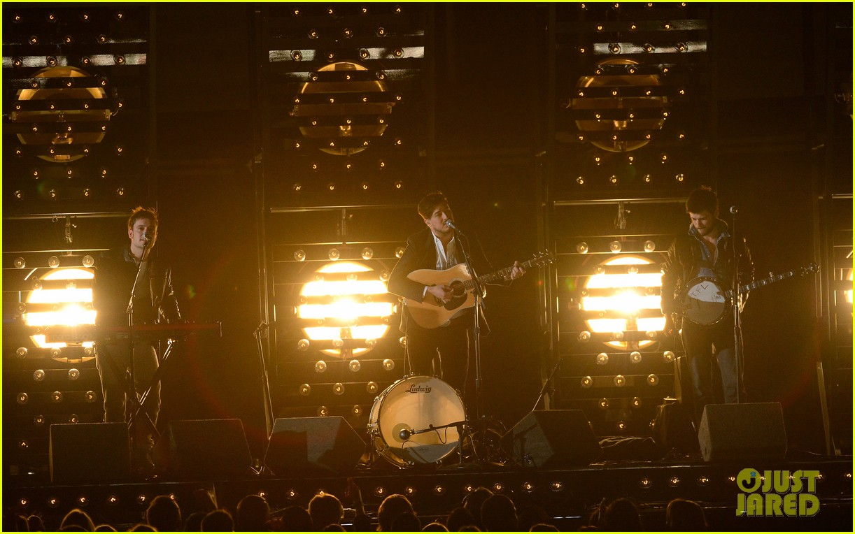 mumford sons i will wait grammys 2013 performance watch now 04