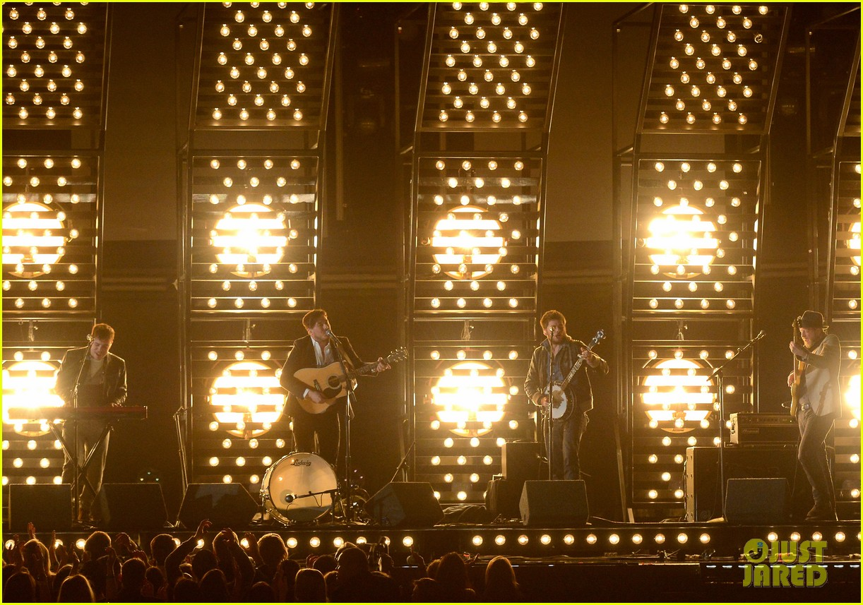mumford sons i will wait grammys 2013 performance watch now 05